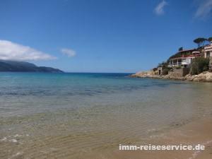 Insel Elba mit familienfreundlichem Sandstrand von Scaglieri in der Buchtv von Biodola